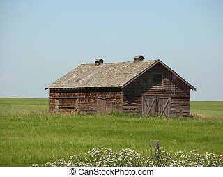 old prairie farm building