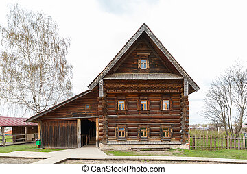 facade of the old log house in Suzdal