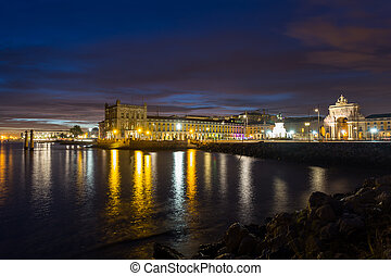 Night on river Tejo (Lisbon, Portugal) - Night view on river...