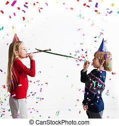 fiesta, trompetas, Soplar, niños