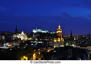 View on Edinburgh castle in night - View on Edinburgh city...