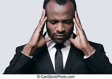 posición, cabeza, el suyo, Manos, gris,  Formalwear, joven, mientras, conmovedor, contra, Plano de fondo, africano, sentimiento, trastorno, hombre