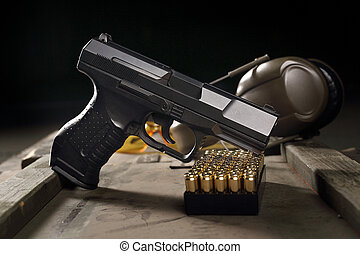 Glock pistol, sharp weapon - Glock pistol, cartridges and...
