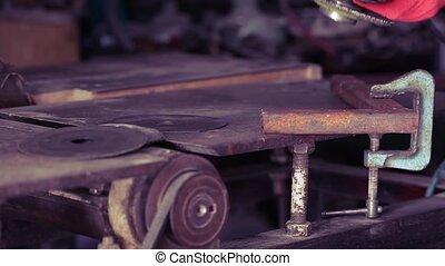 Angle grinder make a flash sparks - Angel grinder makes a...