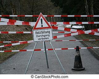 wood work warning sign german text