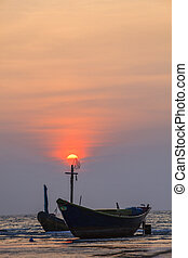 fisher boat and sun set sky at kon aow had mae rumpung...