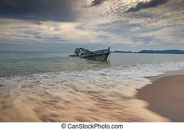 sea scape of wreck