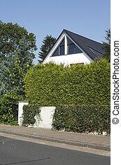 Weisses Wohnhaus