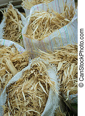 corn husk garbage can use animal food