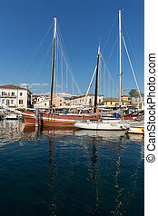 Sailboats at Porto di Bardolino harbor on The Garda Lake ....