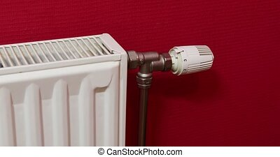 Turning on heating - Adjusting the heating for saving power