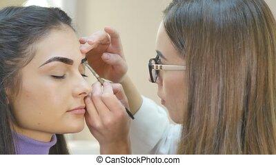 Make-up. Eyebrow Makeup.Brown Eyes - Make-up. Eyebrow Makeup...