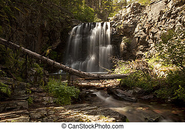 Lower Twin Falls Scenic - Scenic view of Lower Twin Falls in...