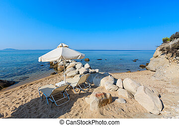 Summer morning beach. - Summer morning sandy Platanitsi...