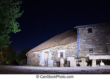 Palloza traditional northwest spanish dwelling - Nightview...