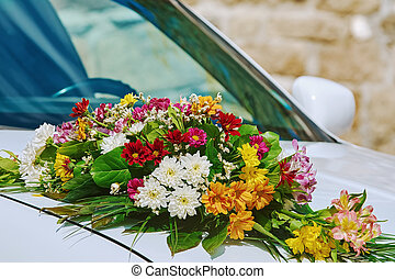 Bouquet on the Car Bonnet - Wedding Bouquet on the Car...