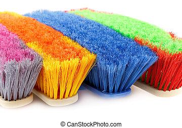 vassouras, coloridos