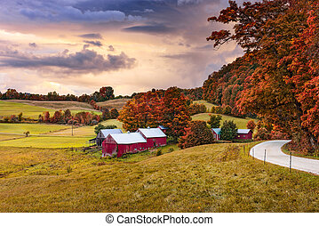 Vermont Farmlands in Autumn - Rural autumn Jenne Farm in...