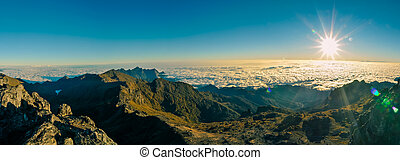 Mount Wilhelm in Papua - Panoramic photo of mountains and...