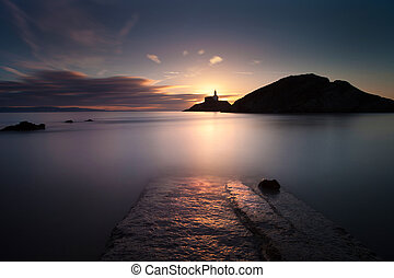 Mumbles lighthouse at dawn - Daybreak at Mumbles lighthouse,...