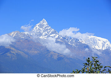 beautiful mountain landscape machhapuchhare (annapurna)