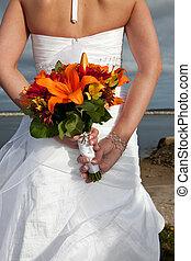 Mazzolino, sposa, presa a terra