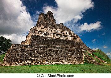 Xunantunich Pyramid Belize