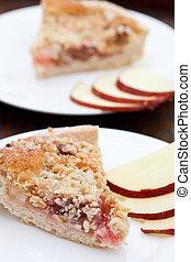 Slice of rhubarb and aple crumble