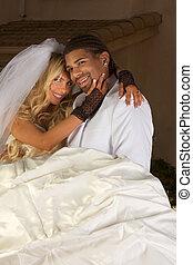 feliz, nuevo, casar, interracial, pareja, boda, humor