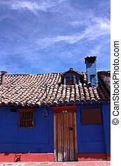 Spanish colonial house Bogota - Blue house in the colonial...