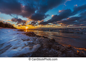Lake Huron shoreline at sunset in early winter - Canada -...
