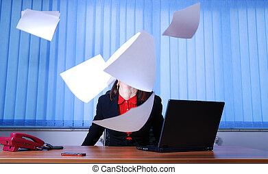 feliz, mujer de negocios, lanzamiento, documentos