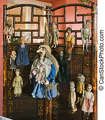 marionetes on screen