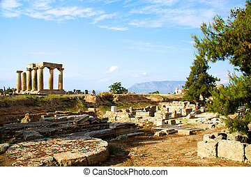 apollon temple in corinth Greece