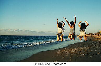 spiaggia, Saltare, tramonto, Tre, amiche