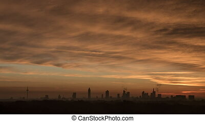 Timelapse of sunrise and clouds over Frankfurt - Timelapse...