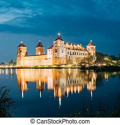 tarde, escénico, Belarus, brillante, Complejo, iluminación,...