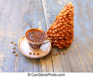 Gold Christmas tree made of shells and coffee - Gold...