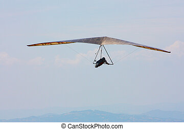 Hang glider in Italian mounta - Hang glider pilot in Italian...