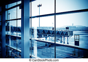 Shanghai Pudong Airport boarding bridge - Outside the window...
