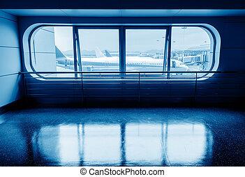 Terminal uit het raam van het vliegtuig - Vliegtuigen...