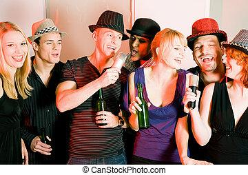 grupo, amigos, karaoke, fiesta