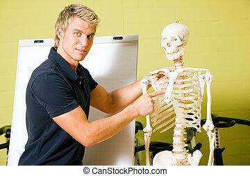 explaining basic anatomy in gym