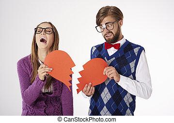 Heartbreaking scene of nerdy couple