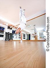 coupure, danse, handstand