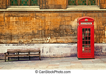 Red phone box in London - Traditional old style UK red phone...