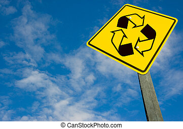 Recycle symbol on traffic sign. - Recycle symbol on traffic...