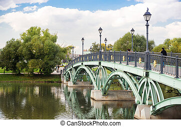 Arch bridge in Tsaritsyno - Close-op view of west arch...