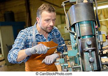 machinist inworkshop