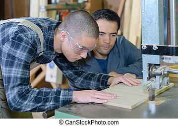 guide in cutting